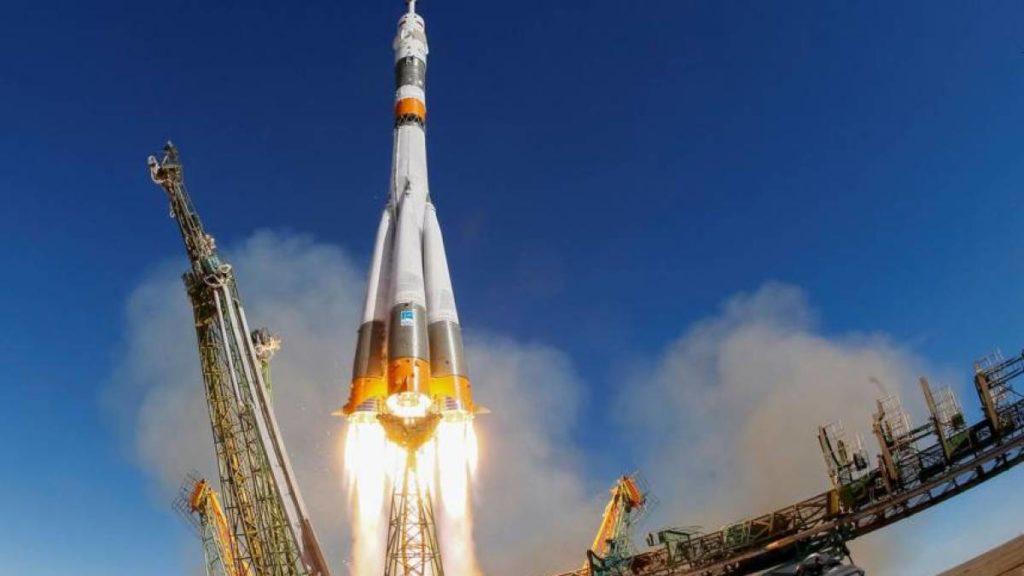 restrições militares dos EUA à corrida espacial